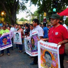 AYOTZINAPA: Caravana Sur de Padres y Madres de los 43 desaparecidos en Mérida