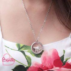 Medalhões que contam a sua história com charms. Personalize o seu em www.banilla.com.br <3 #medalhões #charms #pingente #história #personalizável #lifesecrets #monteoseu #minhahistória #domeujeito #banilla