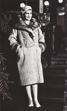 Coco Chanel in New York City (1931)  #CocoChanel Visit espritdegabrielle.com | L'héritage de Coco Chanel #espritdegabrielle