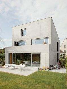 A glass study projects from the roof of this concrete house near Brussels by ISM Architecten, but it presents an austere windowless facade to the street Concrete Houses, Precast Concrete, Cement, Industrial House, Brutalist, Interior Architecture, Interior Design, Facade, New Homes
