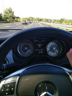 Sunshine, a fabulous day of training and my merc....makes traffic jams seem fine!