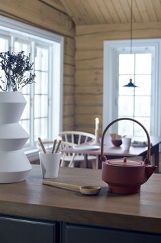 Table Decorations, Furniture, Lady, Home Decor, Modern, Nature, Decoration Home, Room Decor, Home Furnishings