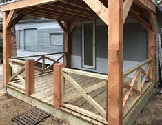 Met ons Lariks Douglas hout kun je zelf een overkapping of veranda op maat bouwen. Wij hebben een schitterend assortiment timmerhout van zowel onbehandelde planken en balken tot robuuste 9x9 tot 20x20 cm dikte palen met die fraaie geel/rood kleur. Shed, Deck, Outdoor Structures, Outdoor Decor, Home Decor, Decoration Home, Room Decor, Front Porches, Home Interior Design