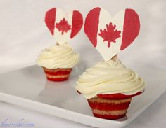 Pop Rock Cupcakes with Pop Rock Fireworks Truffle Toppers. (And Canada too) - 1 Fine Cookie 4th Of July Games, July 4th, 4th Of July Decorations, And July, Toddler Snacks, Canada Day, Pop Rocks, Dessert Recipes, Desserts