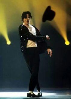 Michael's hat toss
