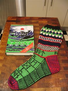 Hobbit Socks. I want these! Who can make me a pair?!