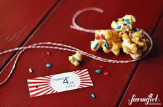 Patriotic Caramel Corn {and free 4th of july printables!} - from a farmgirl's dabbles