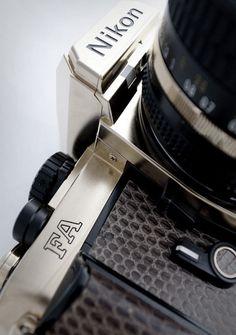 Fotoaparati so postali neporešljiv del našega vsakdana. Po tam, ko si zberete svoj fotoaparat si nujno preberite še nekaj literature ali pa se udeležite kakšnega tečaja. To je odličen recept za kvalitetne fotografije, ki bodo ostale super spomin za vse življenje. http://www.ducat.si/elektronika/digitalni-fotoaparat.html #outletDucat