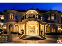 11244 Briarcliff Ln, Studio City, CA 91604 - Home For Sale and Real Estate Listing - realtor.com®