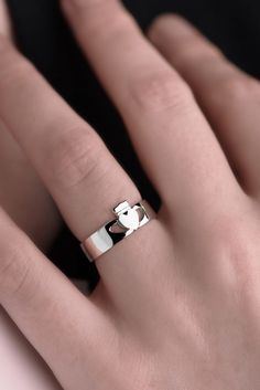 Modern Claddagh Ring for Women | Claddagh Design