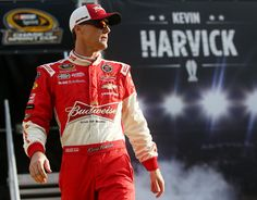 Kevin Harvick Photos Photos - Kevin Harvick, driver of the #4 Budweiser/Jimmy John's Chevrolet, is introduced during pre-race ceremonies for the NASCAR Sprint Cup Series Ford EcoBoost 400 at Homestead-Miami Speedway on November 22, 2015 in Homestead, Florida. - NASCAR Sprint Cup Series Ford EcoBoost 400