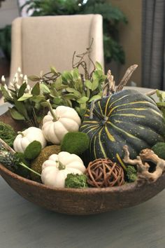 40 great variations for table decoration in autumn! - very creative autumn decoration for table – green pumpkins - White Pumpkins, Fall Pumpkins, Green Pumpkin, Rustic Fall Decor, Fall Arrangements, Deco Floral, Christmas Decorations, Holiday Decor, Autumn Decorations