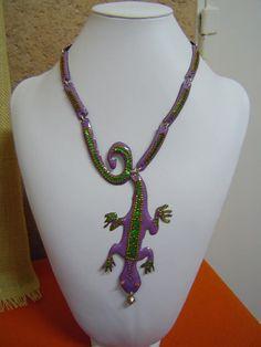 Amazing necklace by Antonia De Madariaga, at Gema Ciria´s enameling Workshop, in Coronado Bellas Artes, Madrid - Spain.