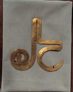 Alexander Calder | LJC Medallion, 1931. Brass wire.