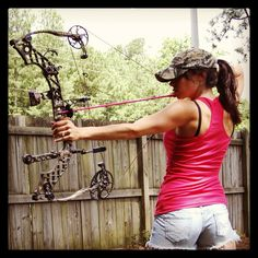Archery - My Mathews Jewel! Bow Hunting Women, Hunting Girls, Hunting Bows, Archery Girl, Archery Hunting, Archery Bows, Outdoor Girls, Outdoor Woman, Woman Archer