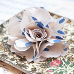valencia flower hair clip in white