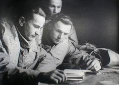 Piloti 312. československé stíhací perutě Smolík, Janeba a Karásek. Začátek války, rok 1940.