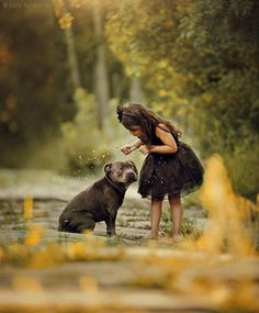 Top Kids Photoshoot themes and ideas - Kids with Pets photo is in trend Dogs And Kids, Animals For Kids, Animals And Pets, Baby Animals, Cute Animals, Best Dogs For Families, Family Dogs, Photoshoot Themes, Getting A Puppy