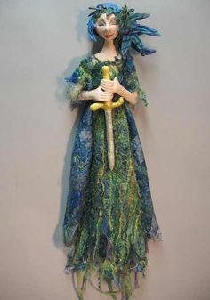 Doll Gallery - Cloth Dolls and Doll Patterns by Julie McCullough - Magic Threads Doll Clothes Patterns, Doll Patterns, Fairy Dolls, Dolls Dolls, Rag Dolls, Spirited Art, Mermaid Dolls, Fairytale Art, Textiles