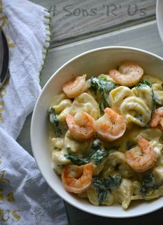 A dish of creamy warm comfort food, thisCreamed Spinach Tortellini with Seasoned Shrimp is the perfect thing for a hearty Winter meal. New year, a new you, right? I've seen my social media feeds inundated with every inspirational meme ever conceivable. Long lists of probably unrealistic resolutions? That seems to[Read more]