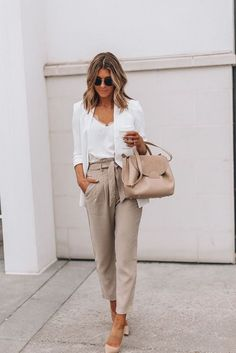 Popular Casual Winter Outfits For Women Spring Work Outfits, Casual Work Outfits, Mode Outfits, Work Attire, Work Casual, Classy Outfits, Fashion Outfits, Fashion Tips, Fashion Trends