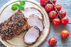 Rocco DiSpirito's Pork Tenderloin With Braised Kale and Olives: Try out Rocco's DiSpirito's simple and easy-to-make ultimate pork dish recipe! Olive Recipes, Pork Recipes, Pork Loin, Pork Roast, Gourmet Desserts, Plated Desserts, Cooking With Olive Oil, Fiber Foods, Appetizers