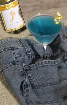 Barefoot Riesling, club soda & blue raspberry syrup.