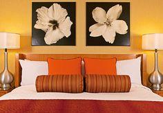 Dormitorio de la suite estilo loft Presidential de un hotel en California