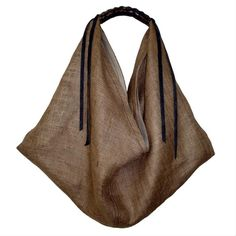 "diy_crafts-bodzafröccs : Photo ""Fancy - Vivre: Burlap Ella Hobo Bag by Skamandros > The Sophisticate >…"", "" a boho bag in burlap. My Bags, Purses And Bags, Diy Sac, Linen Bag, Fabric Bags, Mode Inspiration, Handmade Bags, Beautiful Bags, Hobo Bag"