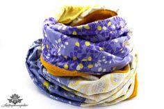Rundschal von #Lieblingsmanufaktur: Ein Traum von Schal in lila und gelb