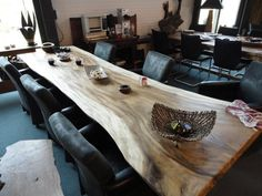 BOOMSTAMTAFEL Boomstam Tafel uit voorraad leverbaar vanaf........ Slab Table, Wooden Dining Tables, Dinning Table, Patio Table, Wood Table, Table And Chairs, Small House Design, Farmhouse Table, Apartment Design