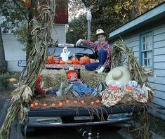 16 ways to decorate your car for trunk or treat halloween and thanksgiving pinterest decorating cars and holidays