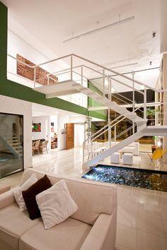 Acapulco House by Flavio Castro / São Paulo, Brazil