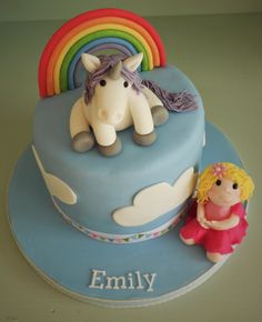 Rainbows & unicorns cake by Little Aardvark Cakery (www.littleaardvrkcakery.com)