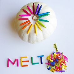 Learn how to make this no carve melted crayon pumpkin craft! All you need is crayons, a hair dryer, and tacky glue. Great halloween art project for kids.