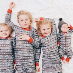 The day after Halloween? All the traditions come out! Christmas music, our favorite Christmas pjs from @happyhannas (we all wear them every year) , Hot Chocolate, wreaths & pretty garland- so happy to let the season begin  #hannajams