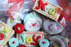 biscotti da appendere all'albero o da regalare by http://zuccheroinfesta.blogspot.com/ :)