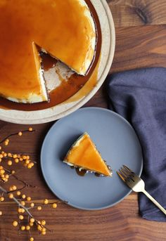 Pecan Crusted Cheesecake With Salted Bourbon Caramel via @honestlyyum