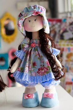 Muito linda essa boneca feita pela Silvia Torres!  Lista de materiais