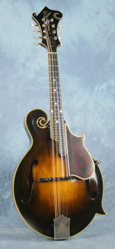 Chris Thile's Loar mandolin, #75316, issued Feb 18, 1924
