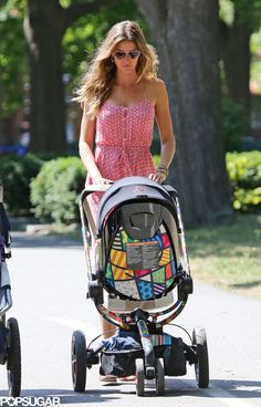 Spotted: Gisele Bündchen pushing her Quinny Moodd by Britto!