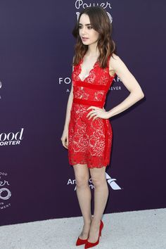 Lily Collins Photos - Lily Collins attends The Hollywood Reporter's 2017 Women In Entertainment Breakfast at Milk Studios on December 6, 2017 in Los Angeles, California. - The Hollywood Reporter's 2017 Women un Entertainment Breakfast - Arrivals