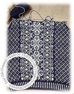 DUTCH KNITTY . BREIEN . LOL MET WOL: FAIR ISLE DREAM uitleg van de knipbies en het breien van een fair isle trui van onder naar boven. Fair Isle Knitting Patterns, Knitting Stitches, Knitting Socks, Free Knitting, Knitting Machine, Garter Stitch, Vintage Knitting, Knit Crochet, Crochet Granny