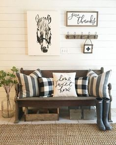 31 Insane Farmhouse Living Room Decor And Design Ideas - Articles About Decoration Modern Farmhouse Living Room Decor, Diy Home Decor Rustic, Rustic Entryway, Entryway Decor, Farmhouse Furniture, Furniture Decor, Bench Decor, Farmhouse Bench, Entryway Ideas