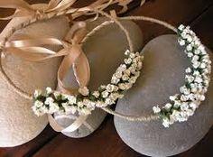 Αποτέλεσμα εικόνας για στεφανα γαμου Wedding Wreaths, Wedding Decorations, Wedding Crowns, Marriage, Gifts, Hoop, Spaces, Weddings, Head Bands