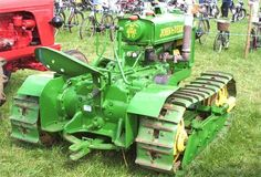 Helped a friend restore one of these. Jd Tractors, John Deere Tractors, Antique Tractors, Vintage Tractors, Old Farm Equipment, Heavy Equipment, Lifted Ford Trucks, Old Trucks, Tractor Accessories