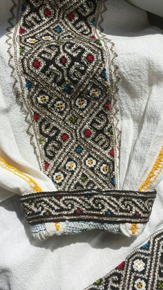 Romanian blouse - ie - detail. Vrancea region. Nelu Dumitrescu collection. (reverse 'bracelet'/sleeve) Butterfly Embroidery, Crewel Embroidery, Embroidery Patterns, Machine Embroidery, Dress Design Sketches, Antique Quilts, Bargello, Craft Patterns, Textiles
