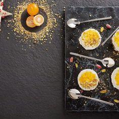 Μους γιαουρτιού σε βάση μπισκότου / Yoghurt Mousse in biscuit base. Λαχταριστό, ιδιαίτερο γλυκό που θα εντυπωσιάσει.  #yoghurt #greekyogurt #yogurtmousse #mousse #moussecake #mousserecipes #biscuitbase #biscuitrecipes #dessertlover #dessertideas #dessertinspiration #foodphotography #foodstyle #foodstyling #dessertstagram #greekfood #greekrecipes #συνταγές Biscuit Cookies, Biscuits, Yogurt, Recipes, Crack Crackers, Cookies, Cookie Recipes, Recipies