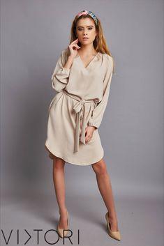 SS2020 kollekciónk megérkezett! 💋✨ #VIKTORInewin Keresd forgalmazóinknál, vagy a webshopon! www.viktori.hu  #VIKTORI #ViktoriBudapest #fashion #photooftheday #style #viktorinewin #viktoriSS2020 #outfitoftheday #fashionaddict #designer Fasion, Shirt Dress, Shirts, Dresses, Vestidos, Shirtdress, Fashion, Dress, Dress Shirts
