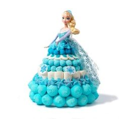 Gateau de bonbons La Reine des Neiges Candy Gift Baskets, Candy Gifts, Birthday Cake Girls, Frozen Birthday, Sweet Hampers, Kisses Candy, Candy Cakes, Cakes For Women, Barbie Party